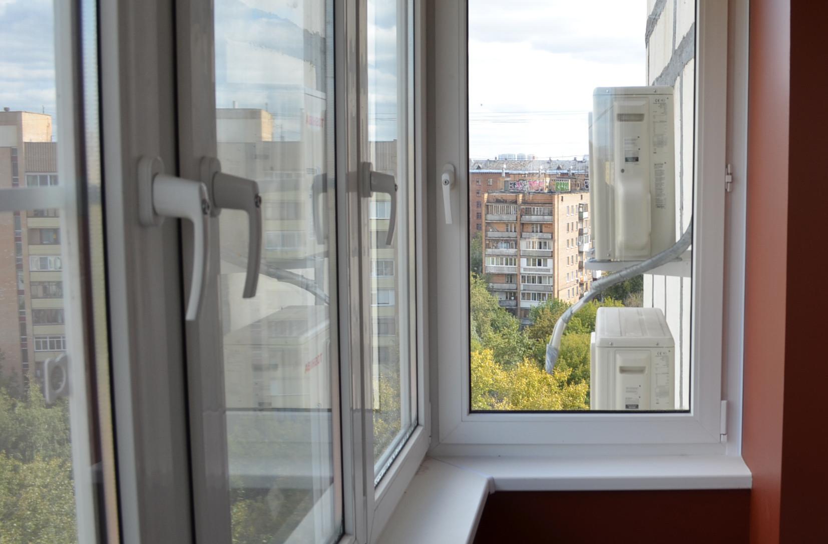 Остекление отделка балкона пластиковыми окнами цены..