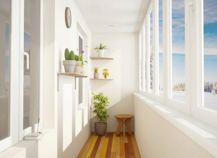 Остекление балконов Balkony-v-hrushchevke-otdelka-i-interesnye-idei