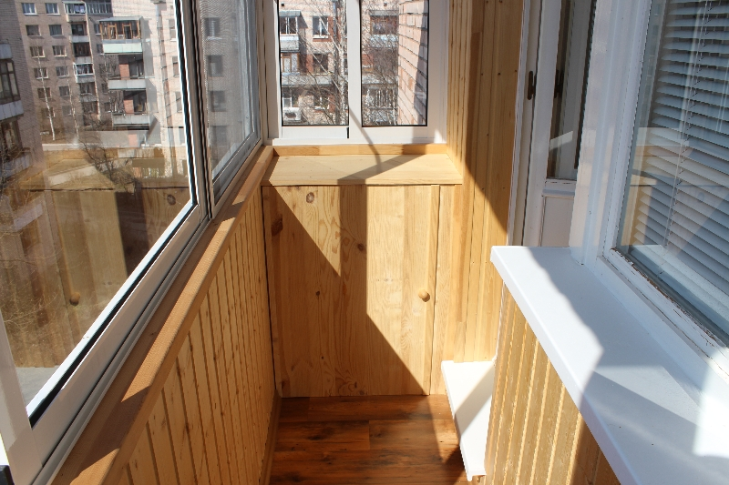 Остекление лоджий и балконов.