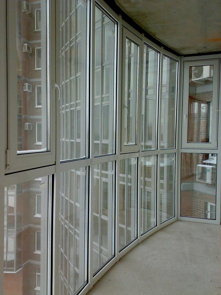 Остекление балконов и лоджий в санкт-петербурге, теплое и хо.